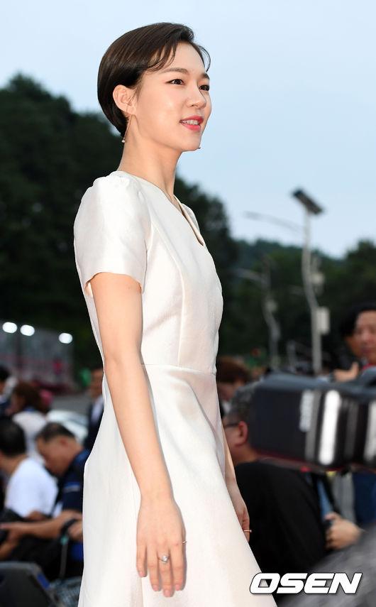 Dự sự kiện chiều qua có nhiều tên tuổi của showbiz như Han Ye Ri...