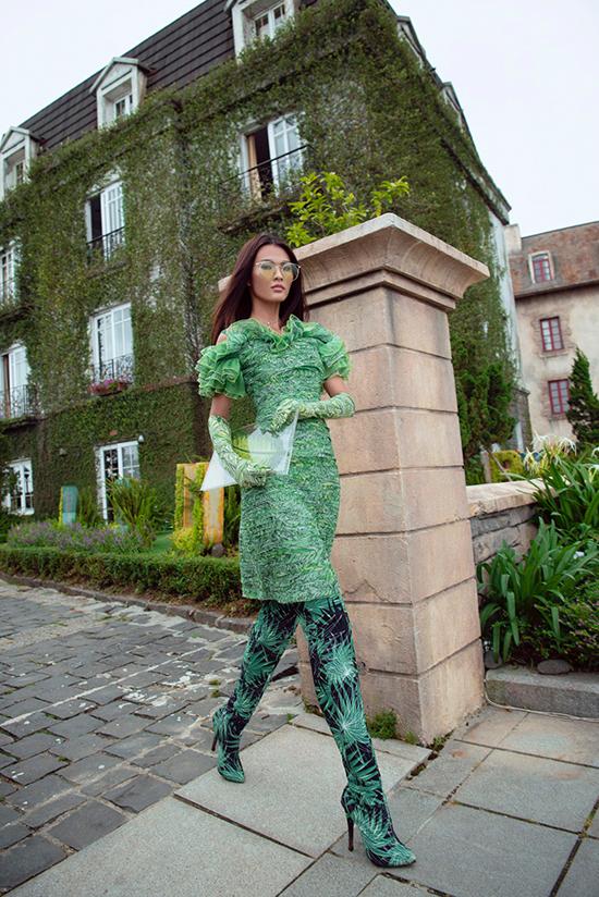 Cao Thiên Trang gợi cảm trong thiết kế của Lê Thanh Hoà - ảnh 7