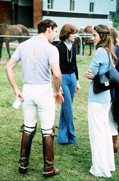 Họ chia tay sau một thời gian ngắn hẹn hò và bà Sarah chính là người mai mối cho Charles với Diana. Ảnh: Mirrorpix.