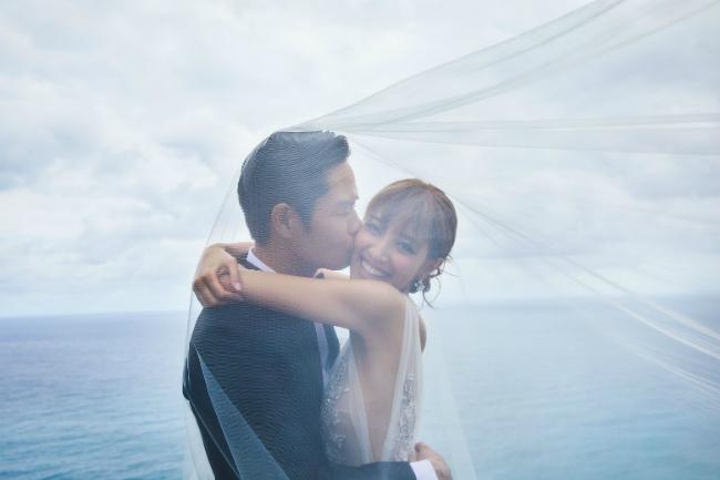 Bát a ca của Bộ Bộ Kinh Tâm và nàng hoa hậu kém 22 tuổi có đám cưới đẹp như mơ - ảnh 1