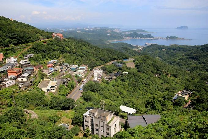 Từ Cửu Phần nhìn ra cảng Keelung.