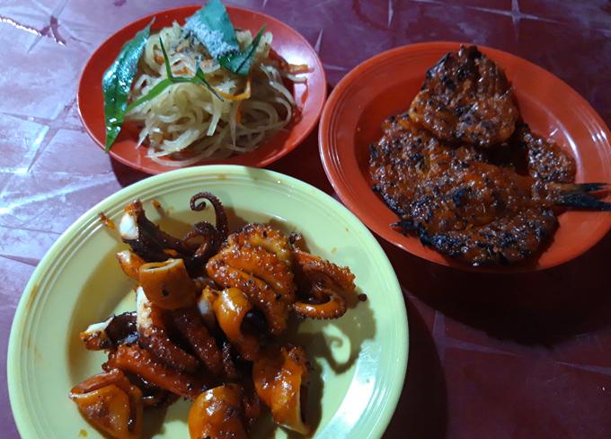 Quán khô cá đỏ nướng - điểm tụ tập quen thuộc của giới trẻ Hà Tiên mỗi tối - 6