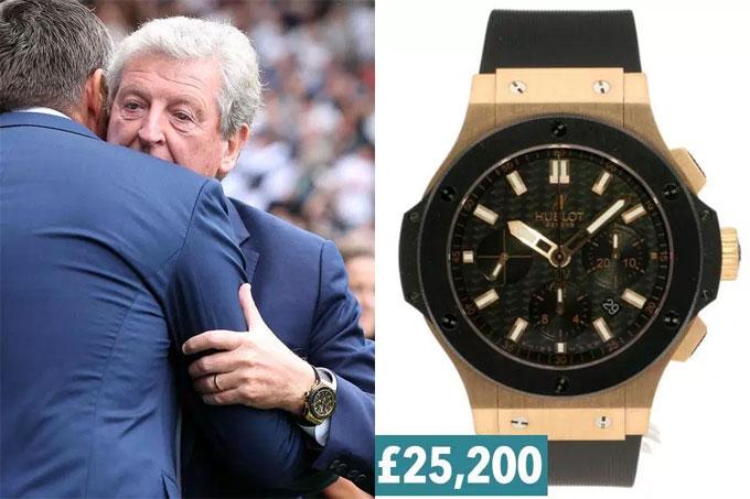 6. Hodgson đeo đồng hồ gần giống đồng nghiệp Mourinho là Hublot Big Bang Gold Ceramic.