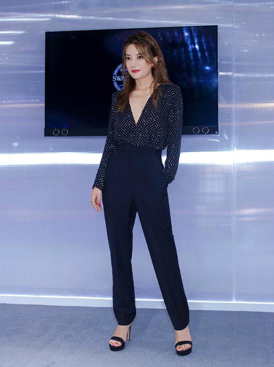 Trở về sau chuỗi ngày ghi hình show Nhà hàng Trung Hoa mùa 2 tại thành phố Colmar, Pháp, Triệu Vy tiếp tục chạy show sự kiện. Nữ diễn viên vẫn chưa có kế hoạch tái xuất màn ảnh dù đã vắng bóng một thời gian dài.