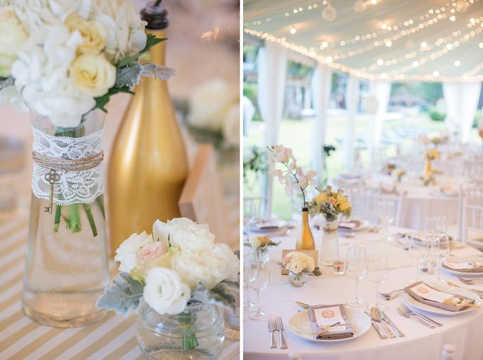 Mỗi bàn tiệc đều được tô điểm bởi hoa hồng và lan hồ điệp. Đồng thời, wedding planner còn sơn màu vàng đồng lên những lọ hoa để tạo nét hiện đại cho hôn lễ.