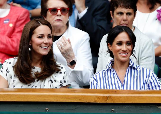 Hai nàng dâu của Hoàng gia Anh luôn chọn lối trang điểm nhẹ nhàng, tự nhiên mỗi khi xuất hiện.