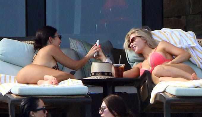 Kourtney-Kardashian-16-5384-1535168886.jpg