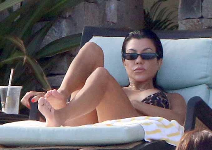 Kourtney-Kardashian-19-4862-1535168886.jpg