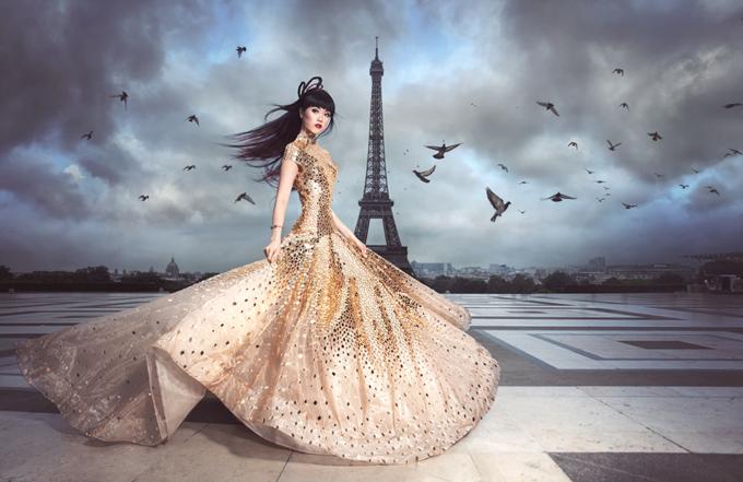 Người mẫu gốc Việt tiết lộ sẽ giới thiệu các mẫu váy áo cá tính pha chút cổ điển trên sàn diễn Paris trong thời gian tới.