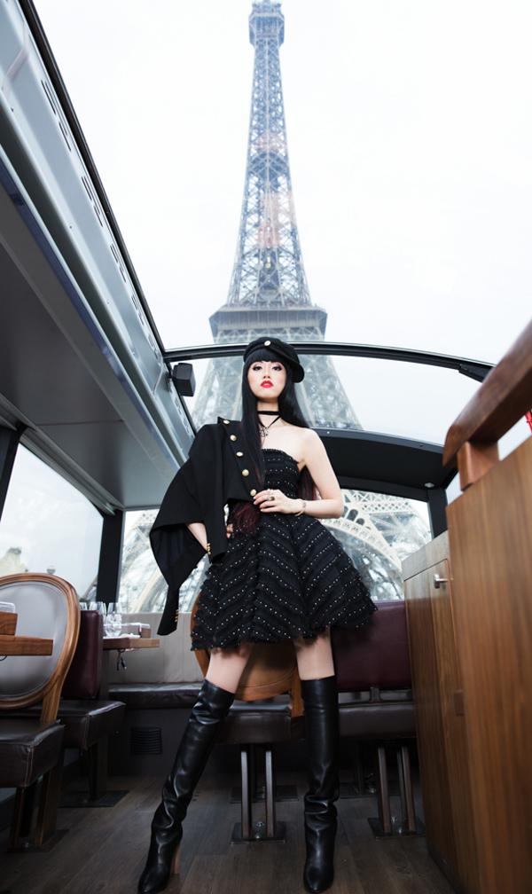 Jessica Minh Anh với phong cách lạnh lùng, cá tính.