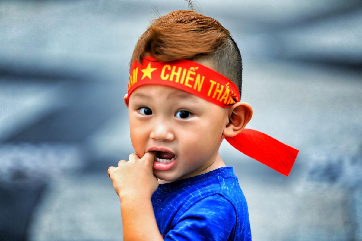 Fan Sài Gòn háo hức cổ vũ Olympic Việt Nam