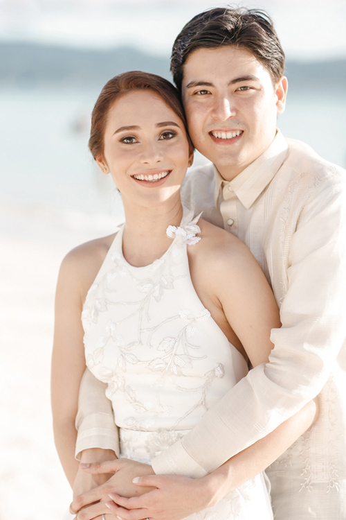 Đám cưới bên bờ biển Boracay của cặp biết nhau từ thời mẫu giáo - 1