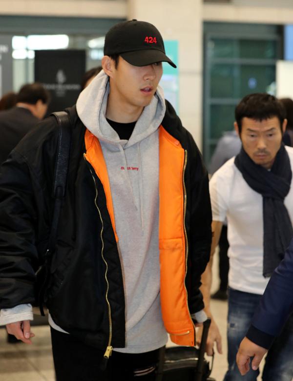 Gu thời trang ấn tượng của át chủ bài tuyển Hàn Quốc - 9