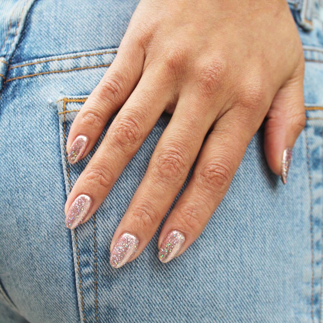 10 mẫu móng tay lạ mắt cho kỳ nghỉ lễ
