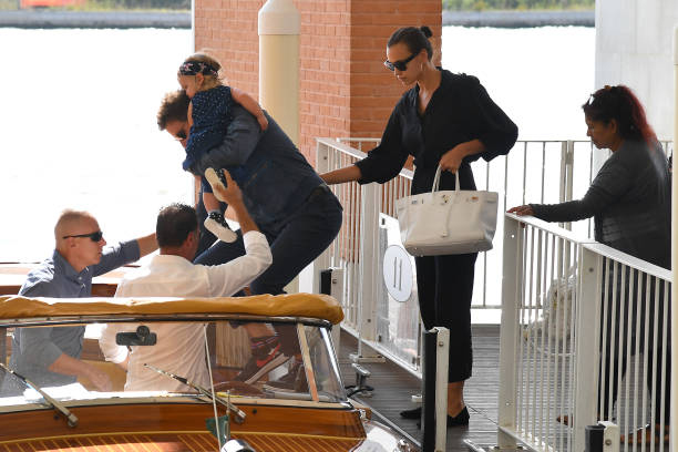 Cặp sao tới khách sạn bằng thuyền. Cặp sao sẽ ở Venice vài ngày để Bradley Cooper quảng bá bộ phim A Star Is Born. Bradley Cooper cùng viết kịch bản, đạo diễn và đóng vai chính trong phim này với nữ ca sĩ Lady Gaga.