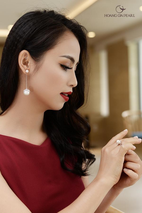 Hoàng Gia Pearl có nhiều mẫu mã thiết kế để các nàng công sở lựa chọn theo sở thích, vóc dáng, làn da của mình.