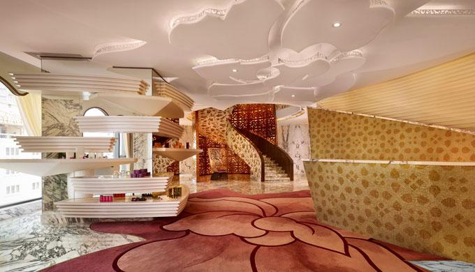 Mỗi nơi trong khách sạn đều có thiết kế hiện đại, cầu kỳ.
