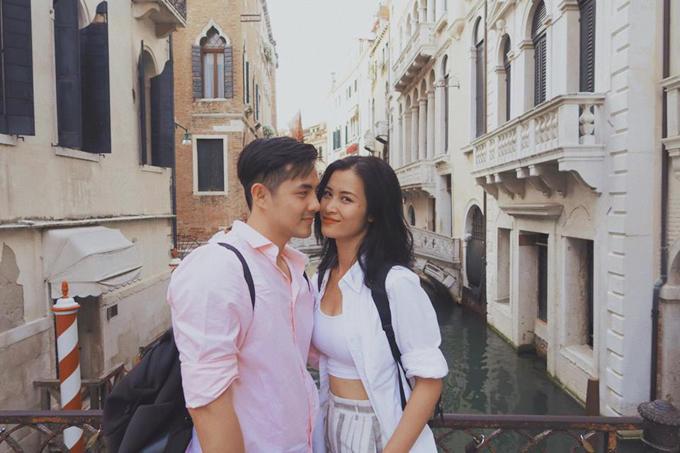 Đông Nhi Ông Cao Thắng In Venice, Italy Áo Ý Thụy Sĩ Pháp Nhất định phải có hình lãng mạn ở thành phố lãng mạn nhất thế giới này Paris gợi nên một chút cảm giác nhớ nhung và mong chờ một điều gì đó