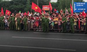 Đoàn người đón Olympic Việt Nam ở sân bay thất vọng trở về