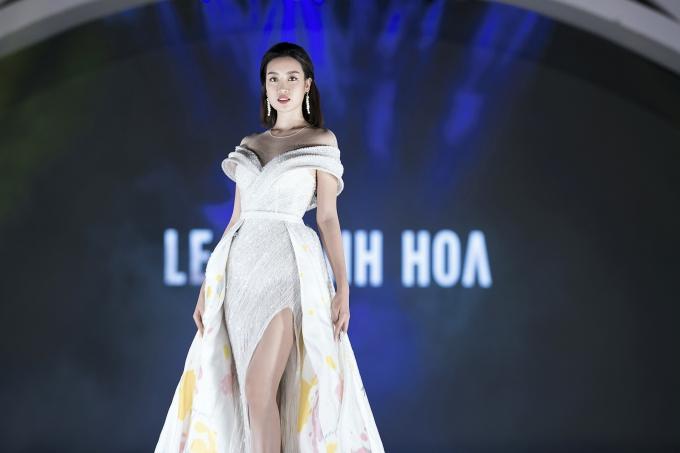 Đương kim Hoa hậu trưởng thành và cuốn hút hơn về thần thái sau hai năm đăng quang. Cô cũng tích cực tham gia nhiều hoạt động thiện nguyện lẫn giải trí.