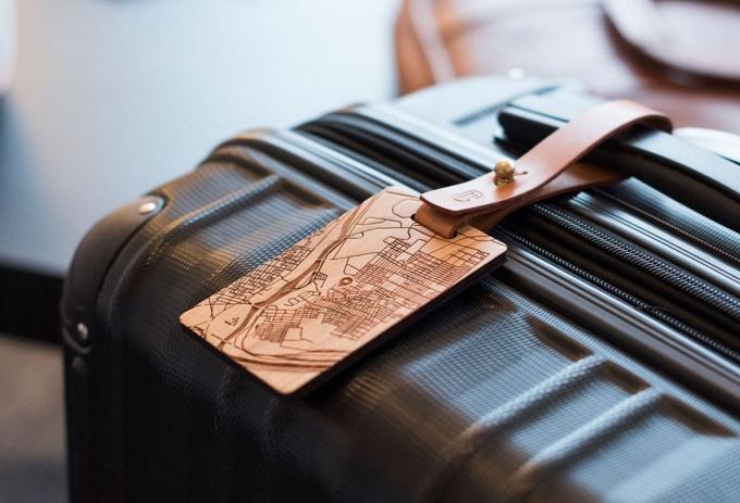 Vì sao không nên ghi địa chỉ nhà lên thẻ hành lý khi đi máy bay?