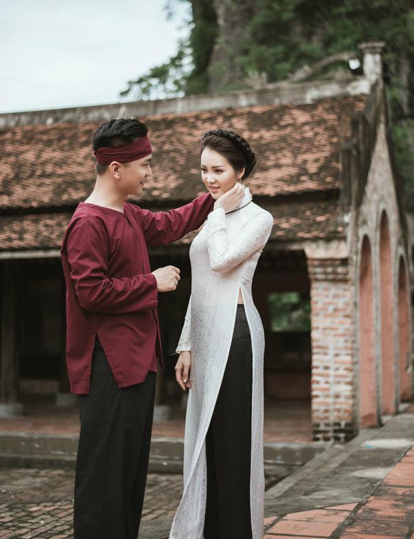Á hậu Thụy Vân khoe giọng hát dân ca ngọt ngào cùng MC Hạnh Phúc  - 1