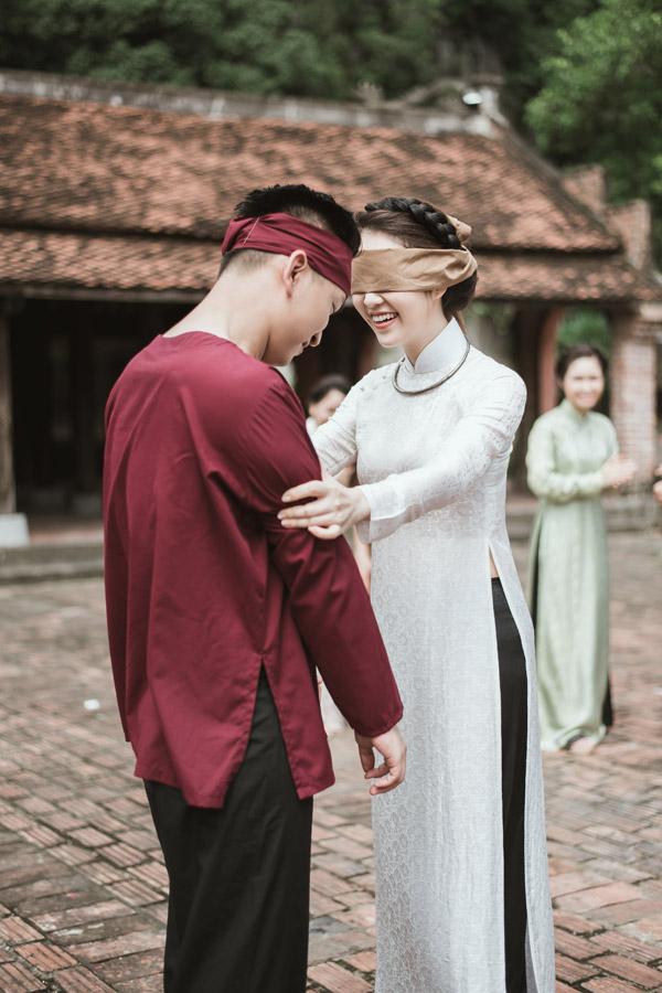 Á hậu Thụy Vân khoe giọng hát dân ca ngọt ngào cùng MC Hạnh Phúc  - 3