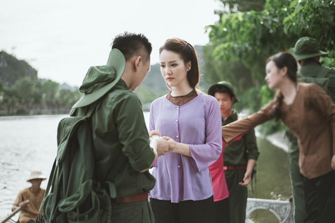 Á hậu Thụy Vân khoe giọng hát dân ca ngọt ngào cùng MC Hạnh Phúc  - 7