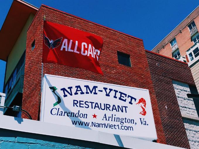 Nhà hàng Việt - quán quen của John McCain trước khi qua đời - 11