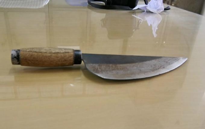 Con dao bầu Thắng dùng để uy hiếp nạn nhân. Ảnh: Thanh Tuấn