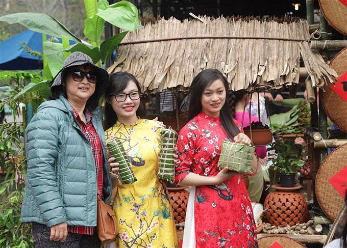 Khắp các Sun World từ Nam ra Bắc đều giữ dấu ấn truyền thống, lễ hội đậm đà bản sắc dân tộc.