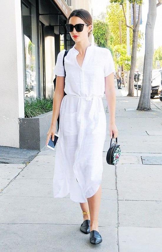 Vào những ngày nghỉ, nhiều bạn gái có thói quen diện trang phục đề cao sự thoải mái, bù đắp cho cả tuần đã phải chăm chút quá nhiều cho trang phục đến văn phòng.