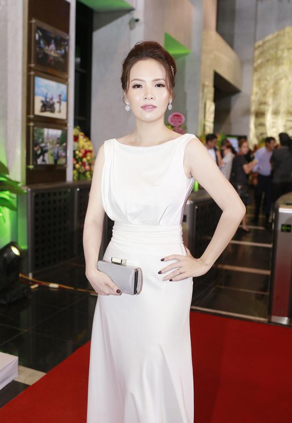 Không cần phục sức cầu kỳ, diễn viên Đan Lê vẫn ghi điểm tại lễ trao giải VTV Awards 2018 khi diện váy thanh lịch.