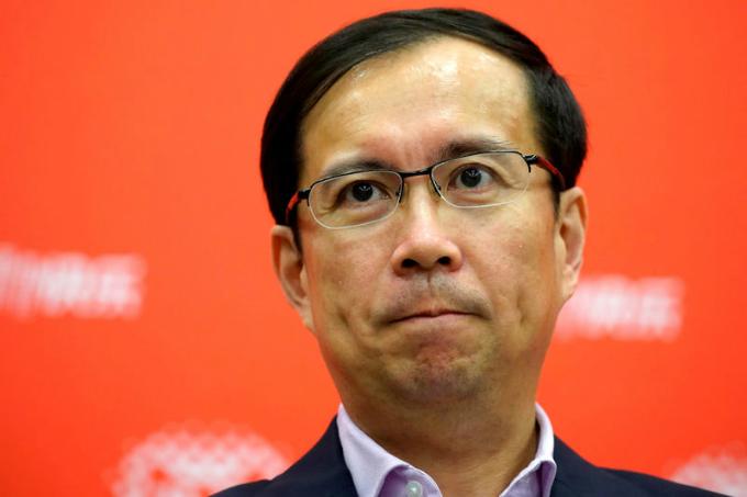 CEO Daniel Zhang tham dự ngày hội mua sắm toàn cầu tại Thượng Hải năm 2017, sự kiện tổ chức nhân Ngày Độc thân 11/11 của Alibaba. Ảnh: Reuters.