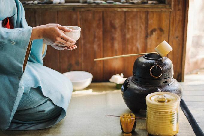 Phong tục trà đạo cầu kỳ đến chân tơ kẽ tóc của người Nhật - 1