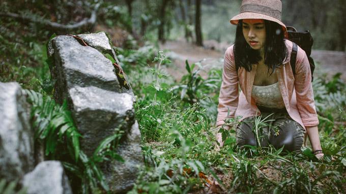 Đinh Ngọc Diệp là người mở màn câu chuyện phim Người bất tử. (Ảnh: CJ)