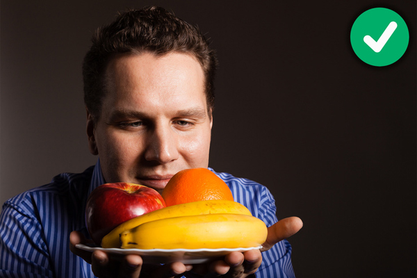 Ngửi mùi táo hoặc chuối trước bữa ăn Một nghiên cứu mới được đăng tải trên Tạp chí Y khoa và Phẫu thuật thần kinh chỉnh hình, Mỹ, chỉ ra rằng, ngửi mùi hương táo hoặc chuối trước bữa ăn có thể giúp bạn giảm cảm giác thèm ăn.