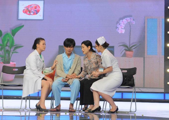 Một đội y bác sĩ tham gia chương trình Đặc nhiệm blouse trắng.