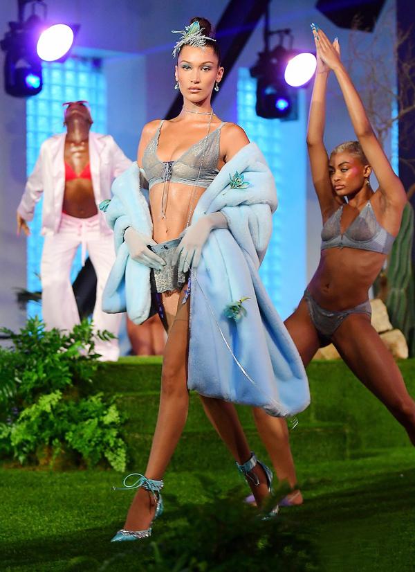 Người mẫu mang bầu diễn nội y cho Rihanna - ảnh 3