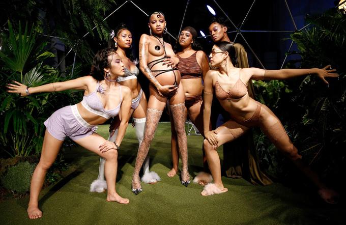 Người mẫu mang bầu diễn nội y cho Rihanna - ảnh 6