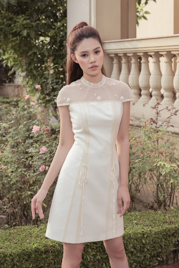 Jolie Nguyễn gợi ý nhiều kiẻu váy chữ A quen thuộc cho các cô gái yêu sự thanh lịch.