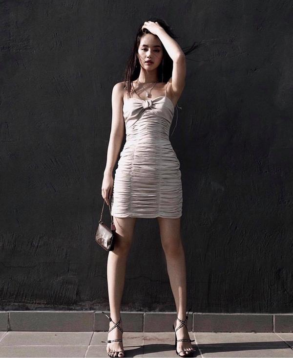 Người đẹp Việt lăng xê túi xách mini - ảnh 6