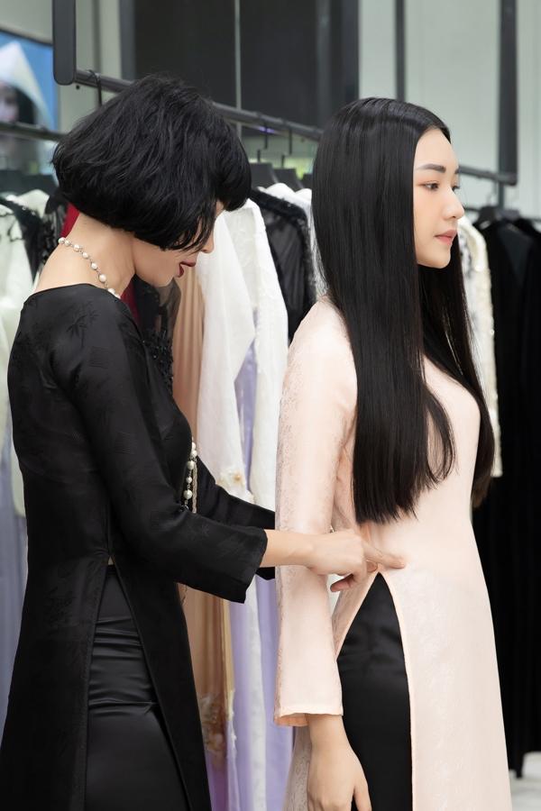 Xuân Lan cùng nàng thơ xứ Huế diện áo dài, hóa thiếu nữ Sài Gòn xưa - 2