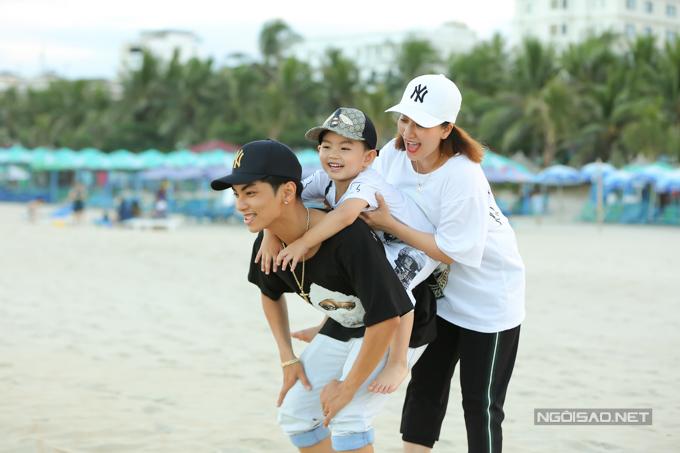 Khánh Thi, Phan Hiển né con trai đề hôn nhau tình cảm - 6