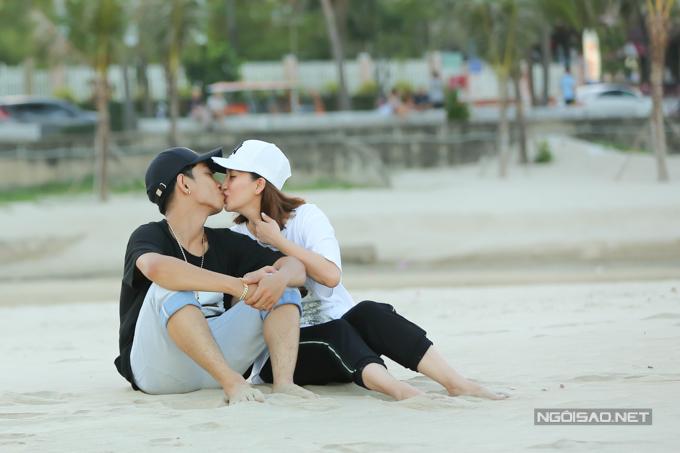 Khánh Thi, Phan Hiển né con trai đề hôn nhau tình cảm - 2
