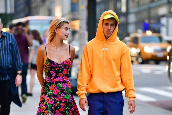 Đôi tình nhân dạo phố tại Manhattan. Ảnh:Vanity Fair.