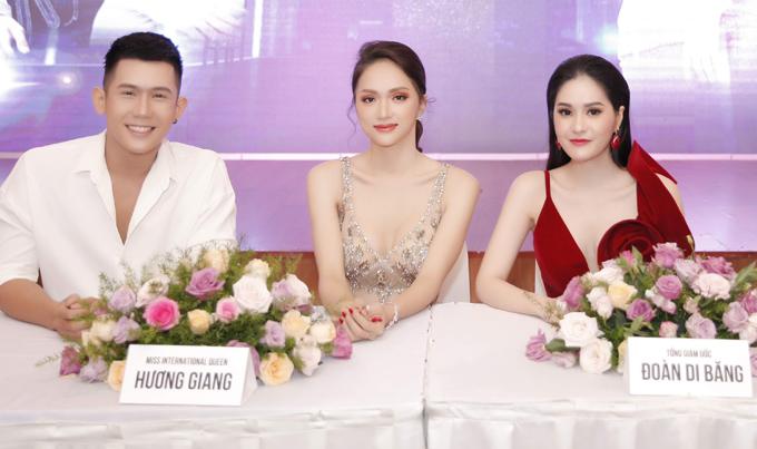 Sau khi đăng quang Hoa hậu Chuyển giới Quốc tế, Hương Giang đắt show chấm thi, diễn thời trang và đi sự kiện. Lịch trình của cô luôn kín mít.