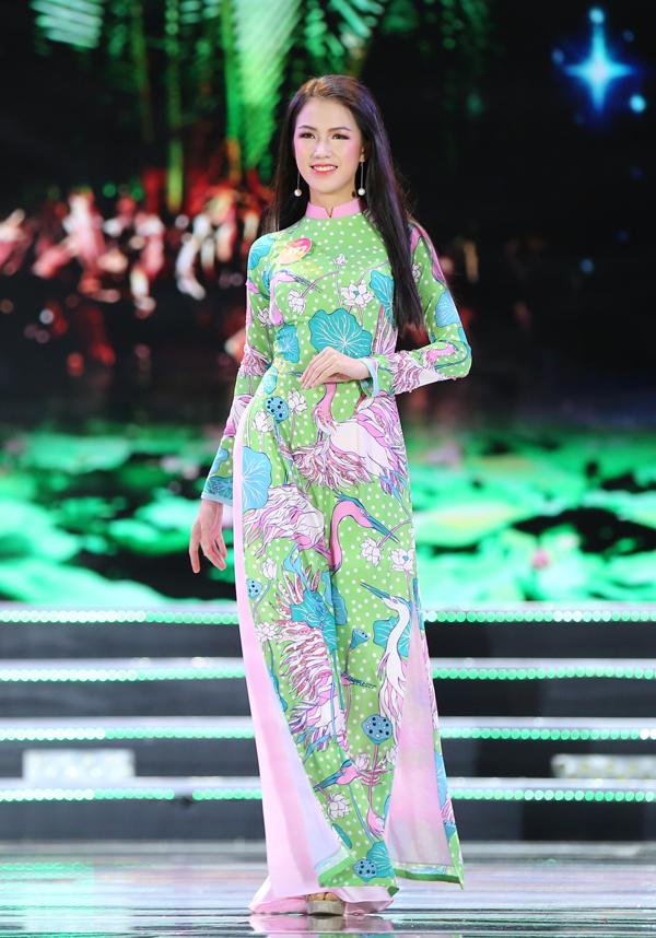 Nữ sinh 18 tuổi Trần Tiểu Vy đăng quang Hoa hậu Việt Nam 2018 - ảnh 6