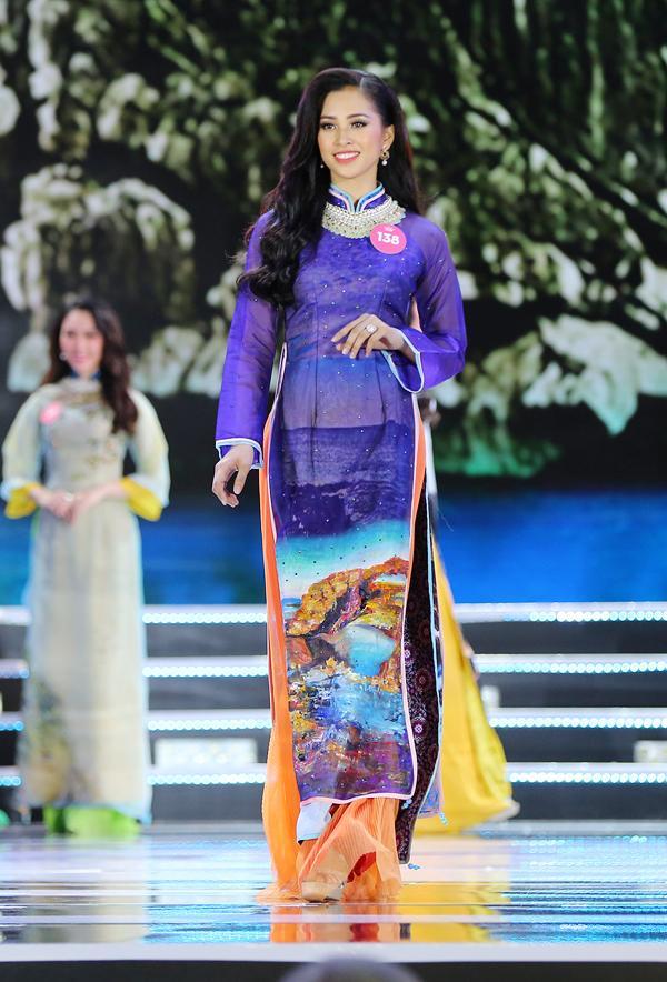 Nữ sinh 18 tuổi Trần Tiểu Vy đăng quang Hoa hậu Việt Nam 2018 - ảnh 5