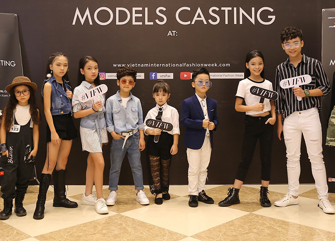 Võ Hoàng Yến ăn mặc thanh lịch đi casting người mẫu - ảnh 7
